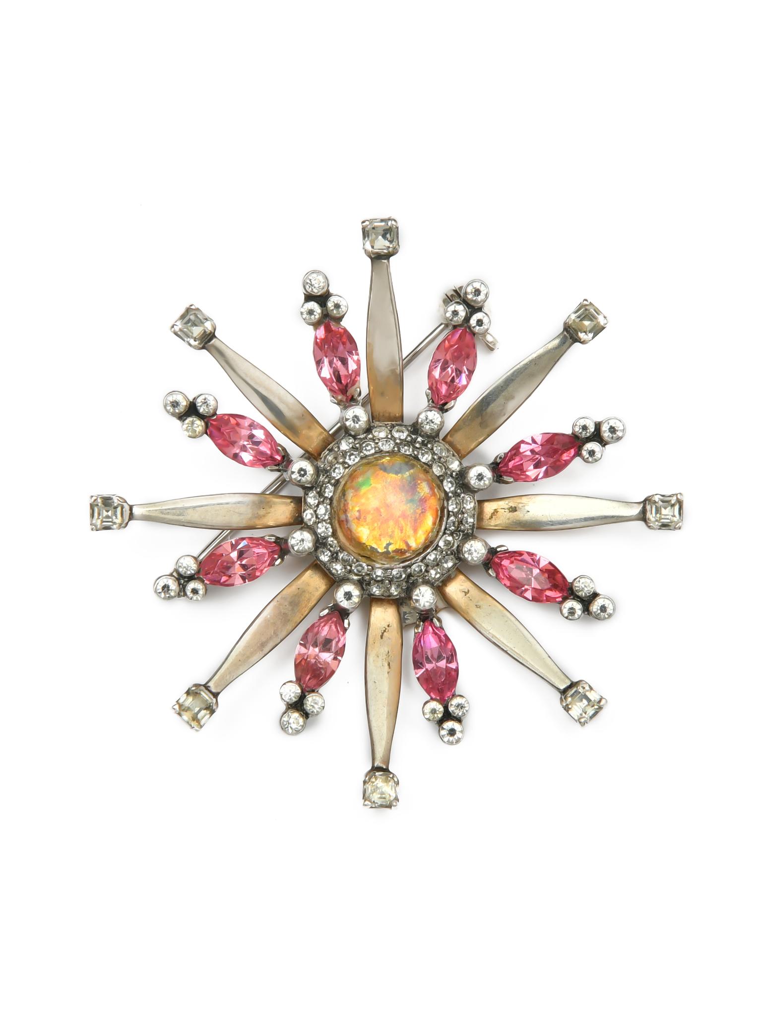 Женственная серебряная брошь Mazer