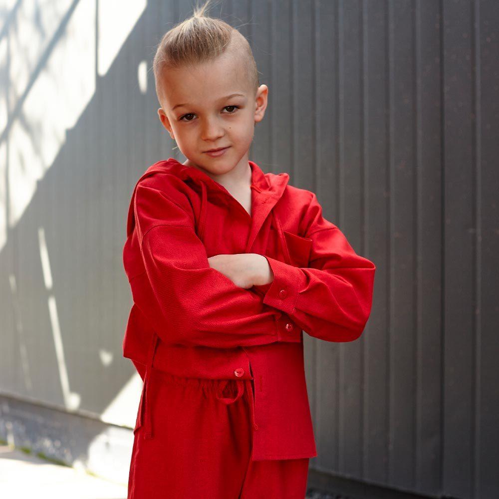 Дитячий костюм з льону для хлопчиків в червоному кольорі