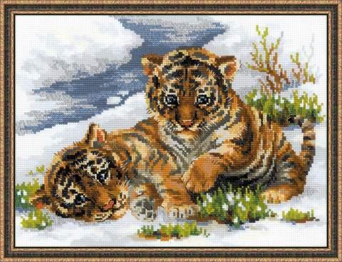 Набор для вышивания крестом «Тигрята в снегу» (1564)