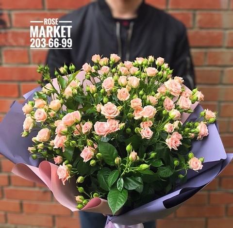 Букет из 15 кустовых роз 80 см в оформлении #1928