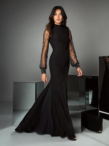 Вечернее платье классическое черное с рукавами