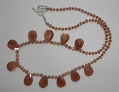 Ожерелье из солнечного камня и хессонита, 47 см