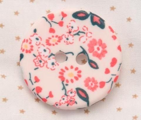 Пуговица с цветочным орнаментом с бело-розовыми цветами, 34 мм