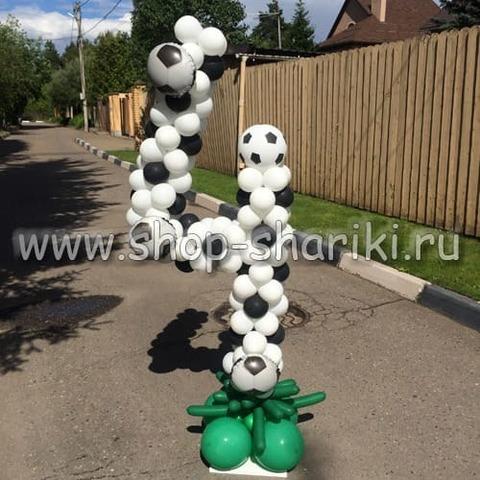 Цифра 4 из шаров футбол