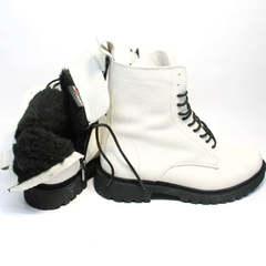 Ботинки с мехом женские зимние Ari Andano 740 Milk Black.