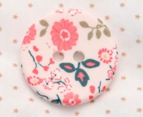 Пуговица с цветочным орнаментом с бело-розовыми цветами и светло-зелёными листиками, 34 мм