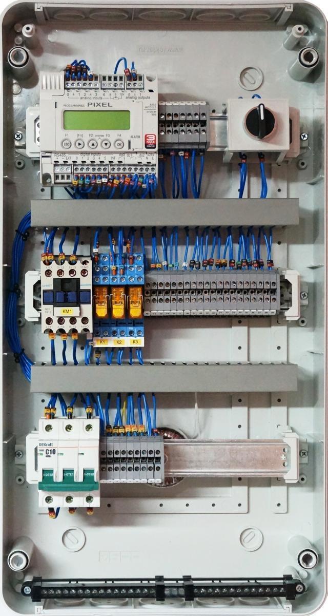 Шкаф автоматики LK для управления приточно-вытяжной системой вентиляции с пластинчатым рекуператором с использованием дополнительных секций.