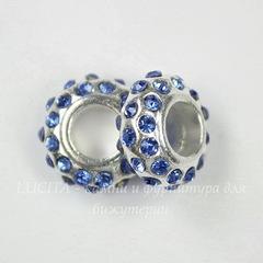 Бусина металлическая для пандоры - рондель со светло-синими стразами (цвет - серебро) 14х6 мм