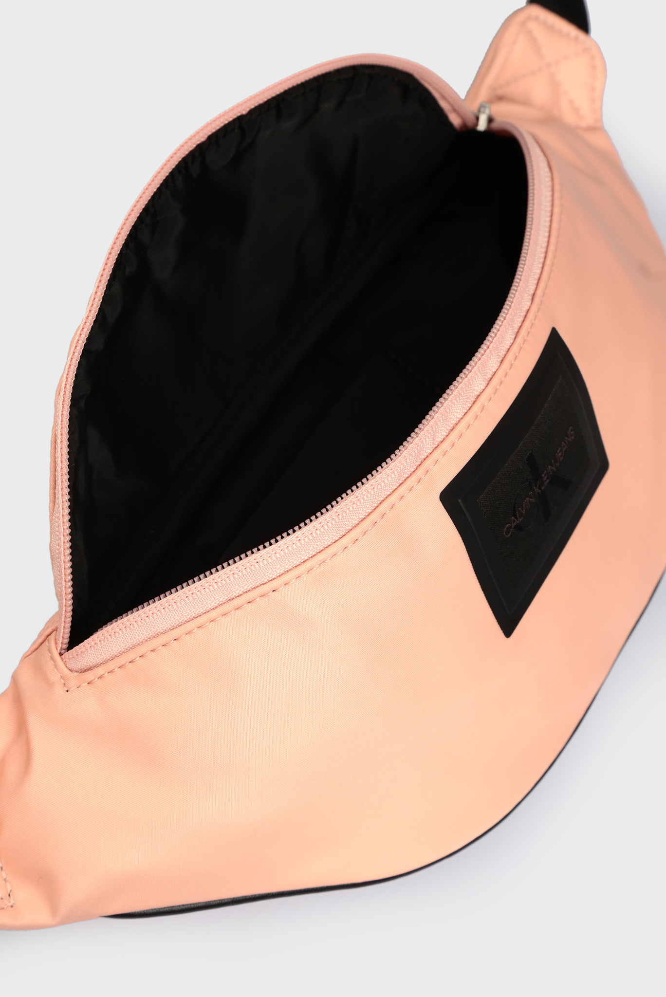 Женская пудровая поясная сумка Calvin Klein