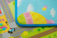 Двухсторонний ПЭТ коврик Prime Living 180 x 200 x 1 см, Мишка на каникулах/Дороги