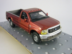 Ford F350 Super Duty Cararama 1:43
