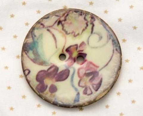 Пуговица с сиреневыми цветами, роспись по кокосу, 40 мм
