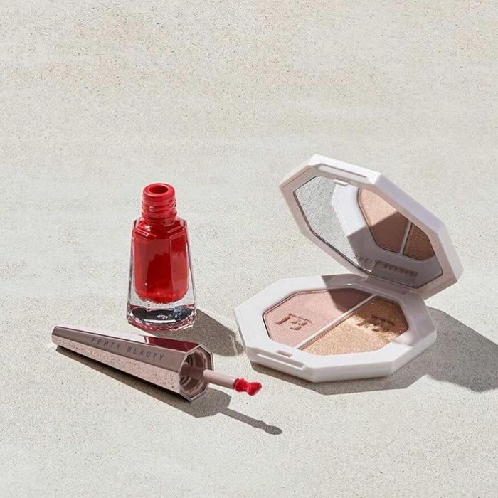 Fenty Beauty Stunna New Year Highlighter + Lip Set
