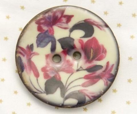Пуговица с вишнёвыми цветами, роспись по кокосу, 40 мм