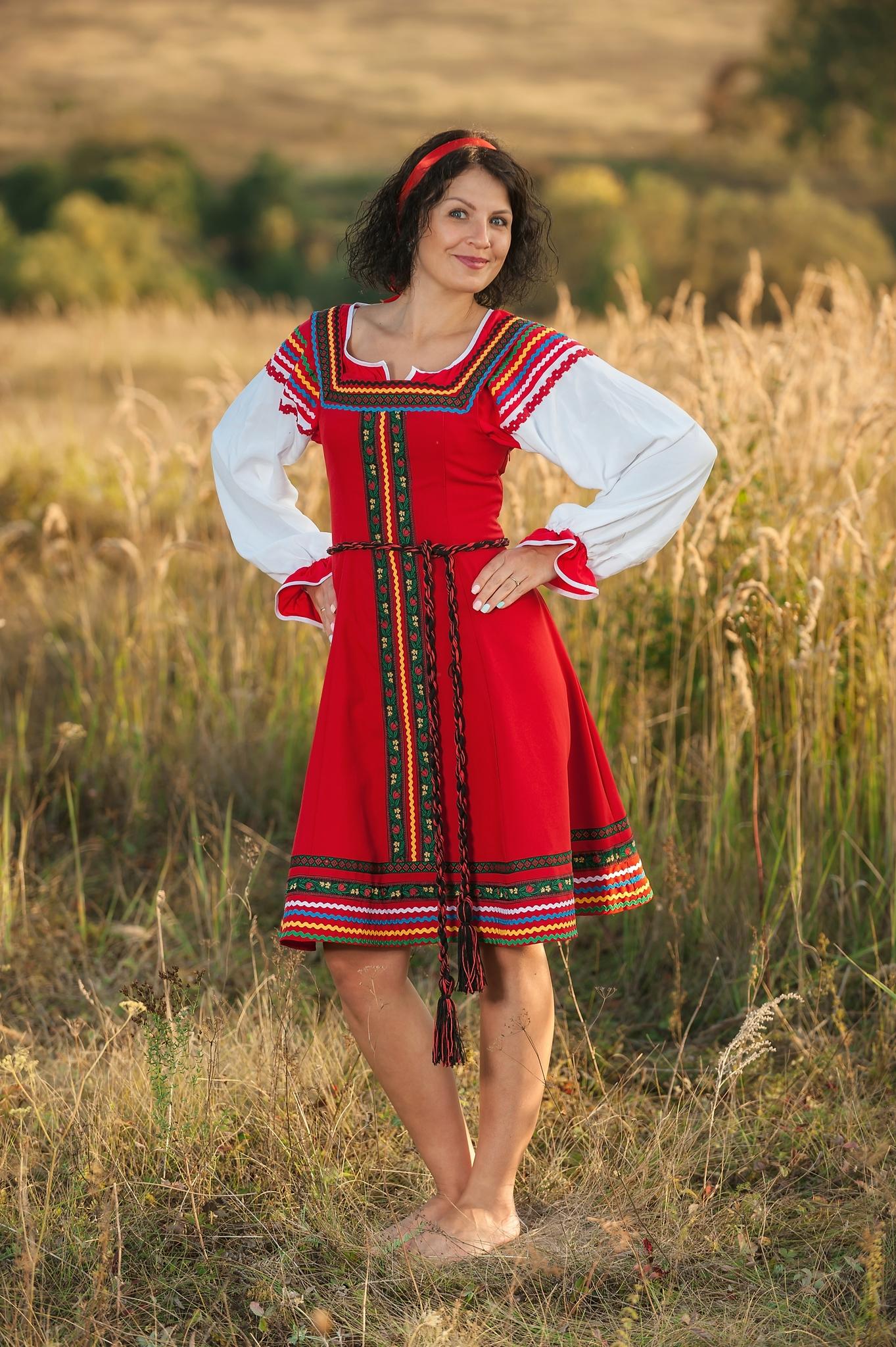 Сценический костюм Малинка в русском стиле