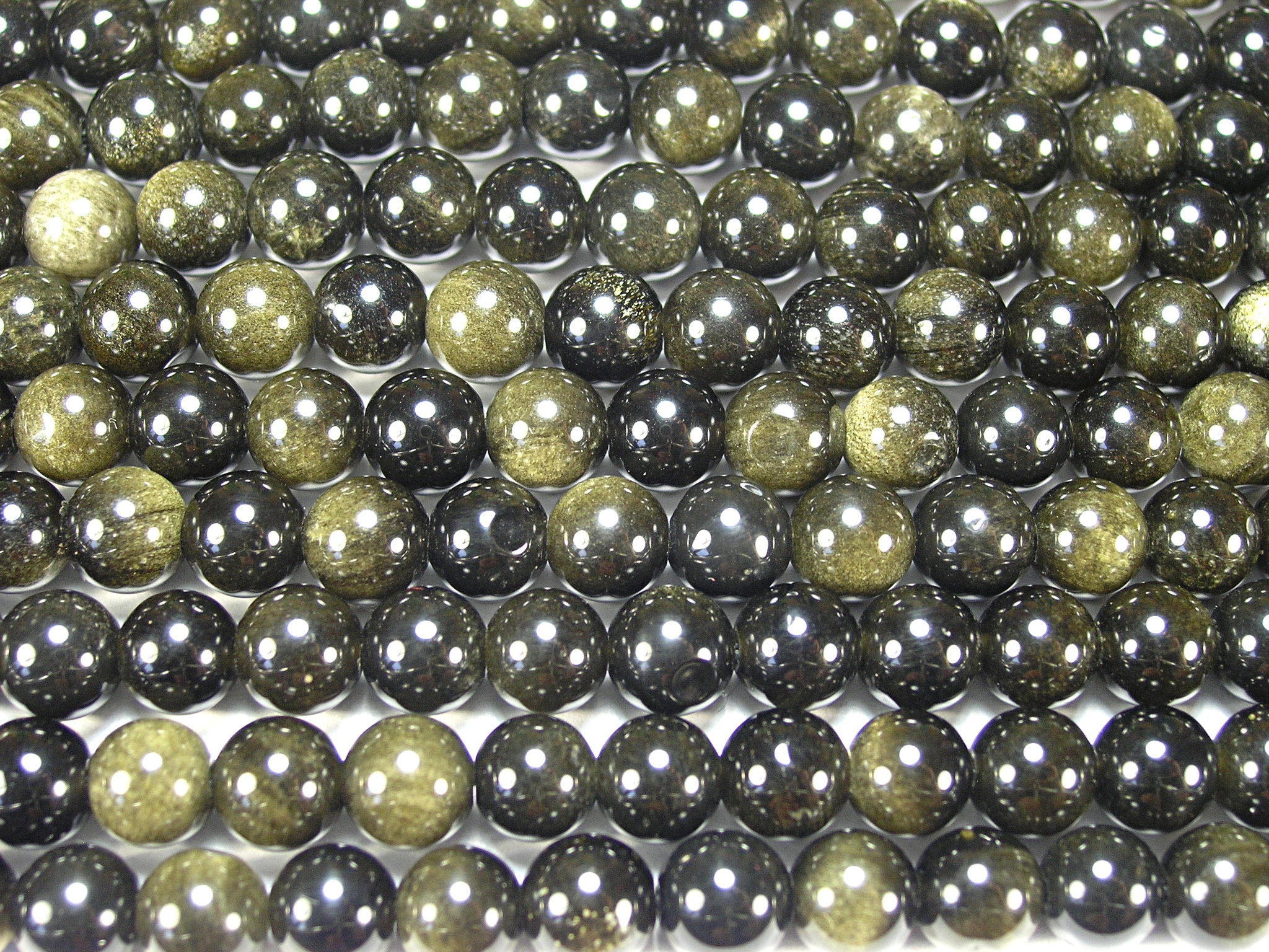 Нити бусин из обсидиана золотого, шар гладкий 8мм (оптом)