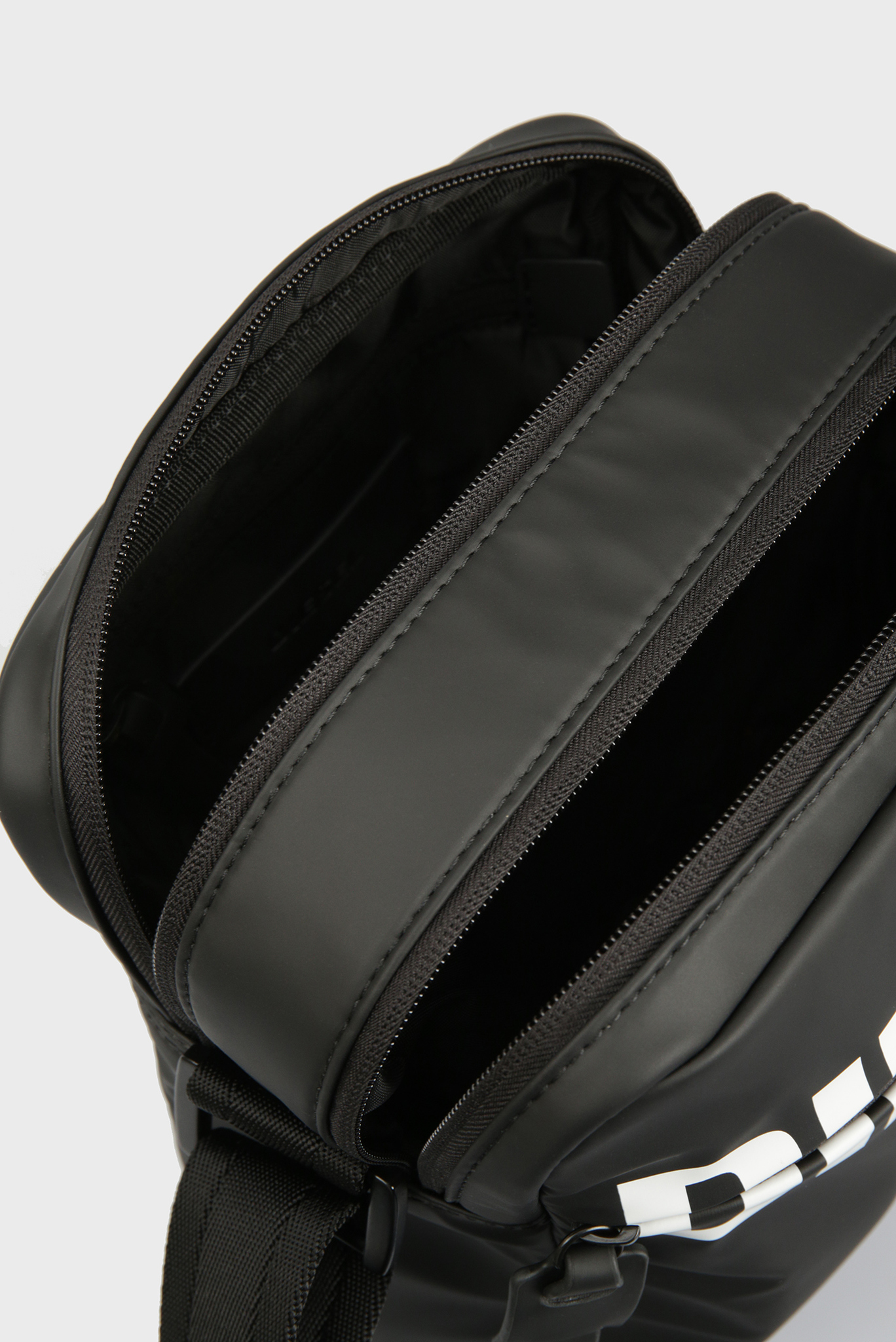 Мужска черная сумка DOUBLECROSS Diesel