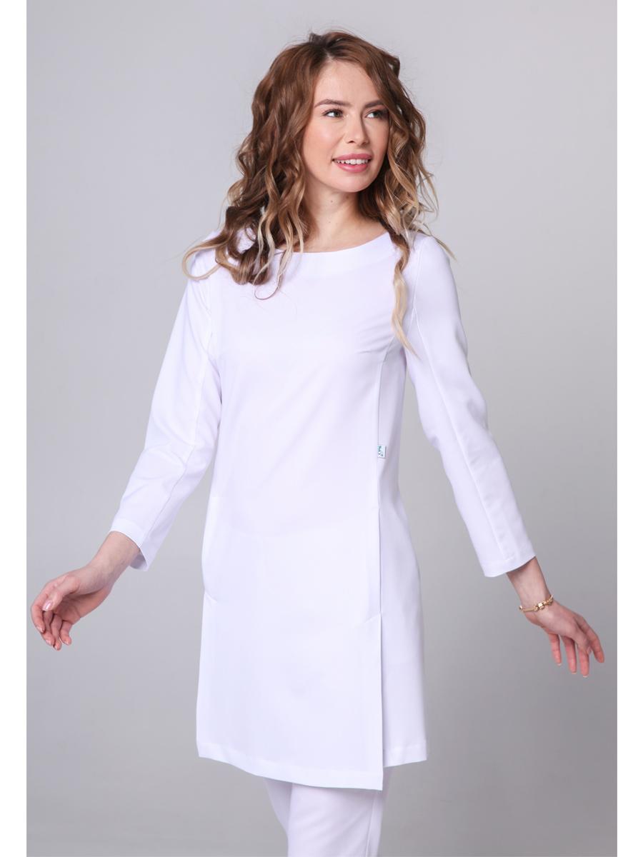Белая блуза медицинская
