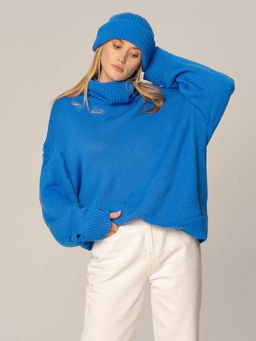 Женский комплект из свитера и шапки цвета деним - фото 2