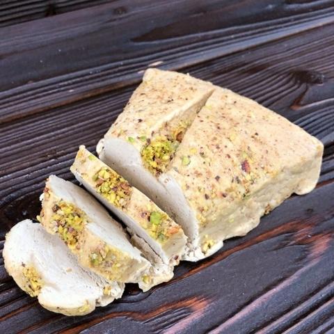 Фотография Халва арахисовая с миндалем / 500 гр купить в магазине Афлора