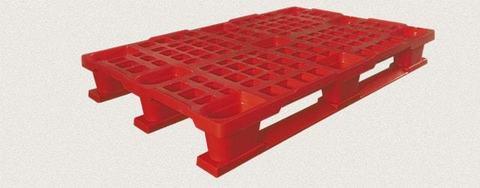 Поддон пластиковый перфорированный 1200x800x160 мм с полозьями, усиленный металлическим профилем. Цвет: Красный