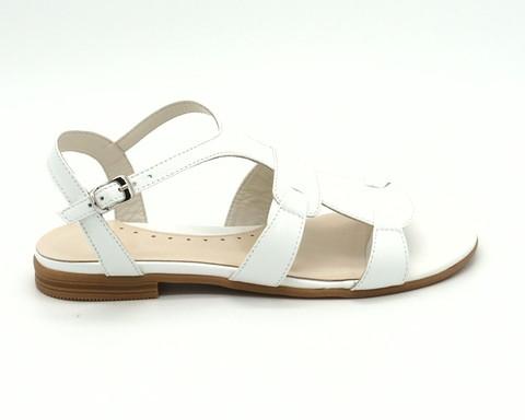 Белые сандалии из натуральной кожи