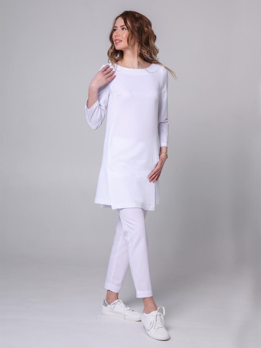 Женская блуза медицинская белого цвета