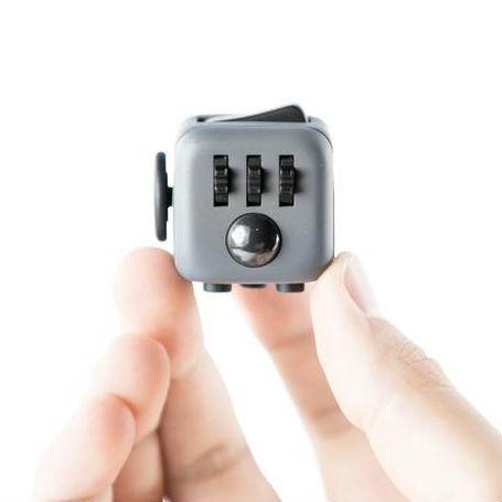 Подарки школьникам Кубик-антистресс Fidget Cube 65a6f88827f902e33d4b7e003f113a52.jpg