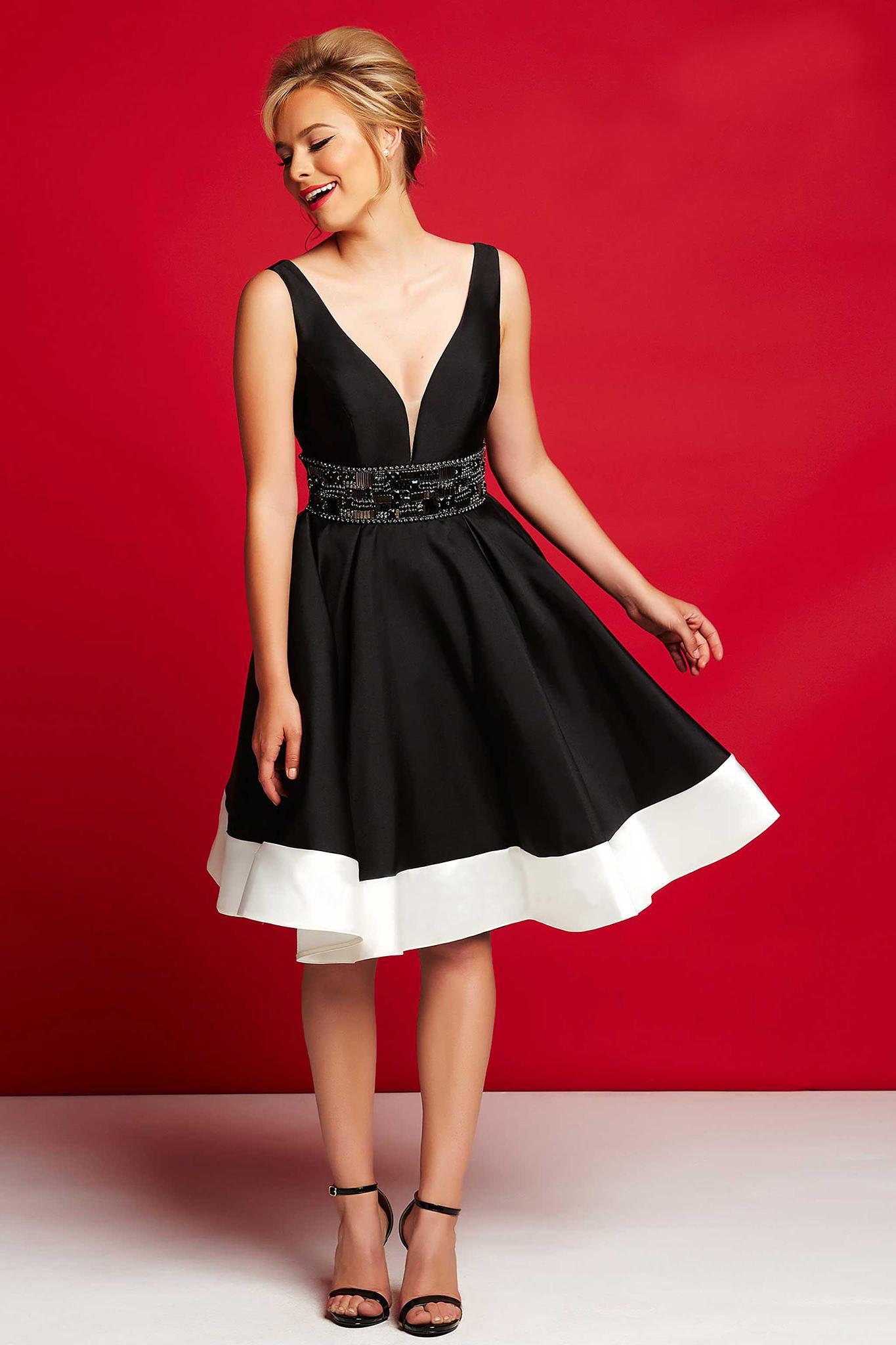 Mac Duggal 16200 Черное платье короткое, юбка пышная до середины колена. Застежка: Потайная молния сзади