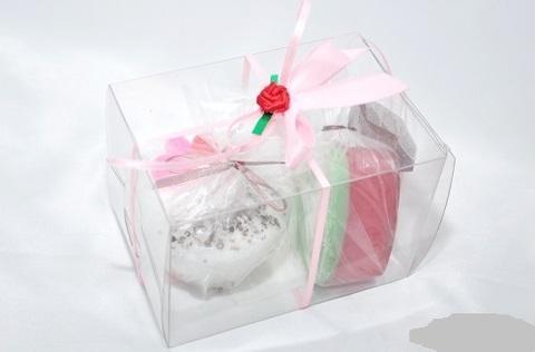 Набор подарочный №3/1 LOVE (свеча-пирожное LOVE IS- 1 шт, мыло сердце/губки-1 шт)/TM ChocoLatte
