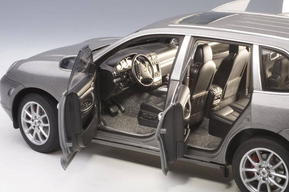 Коллекционная модель Porsche Cayenne Turbo 2003