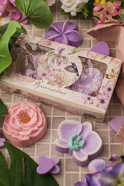 Мыло ручной работы в форме цветов. Пластиковая форма
