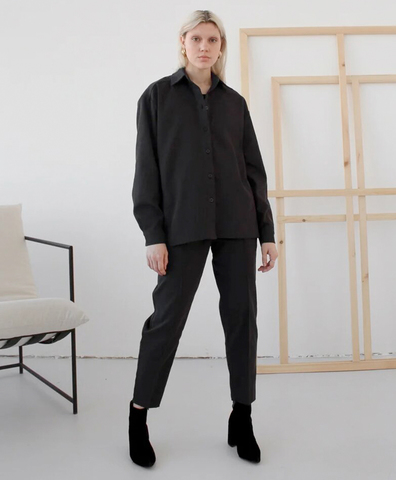 Брюки со стрелкой джинсовые черные