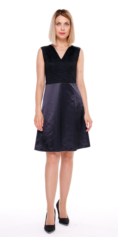 Платье З069-133 - Маленькое черное платье и вы королева на любом празднике.Черное платье с V-образным вырезом и юбкой трапецией до колен, подчеркивает очаровательный изгиб шеи и красивые ноги. Юбка-трапеция делает талию узкой, а фигуру изящной. Комбинированная ткань придает простому черному платью оригинальный вид. Эта модель хороша как с аксессуарами, так и просто с туфлями лодочками.