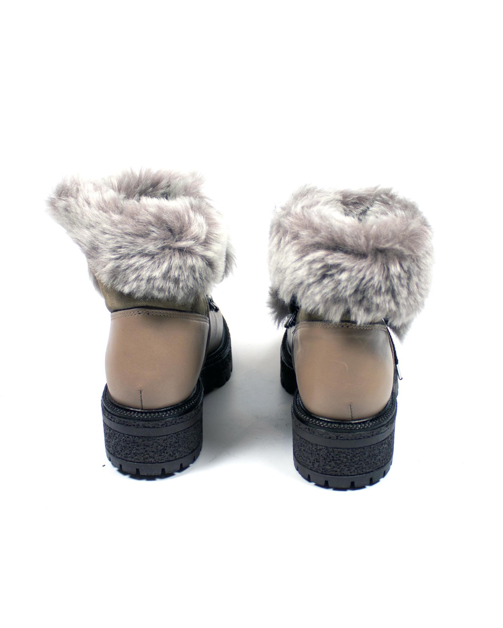 бежевые ботинки Donna Ricco