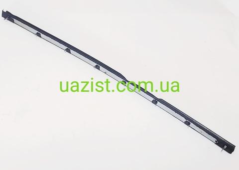 Стойка уплотнитель поворотного стекла салонной двери Уаз 452