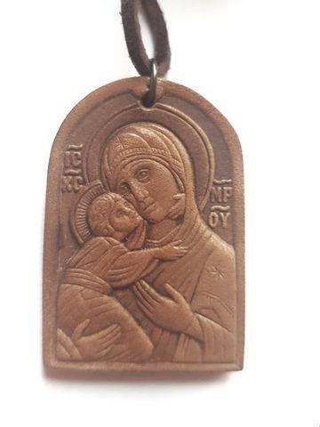 Икона нательная Богородица Владимирская кожаная с кожаным шнурком на шею