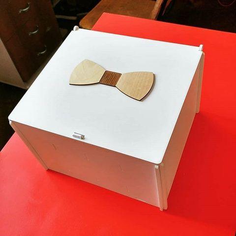 Коробка из дерева для галстуков-бабочек ДекорКоми 27х24х18см, 32 ячейки