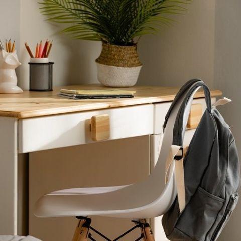 Письменный стол из массива сосны Кидс 5