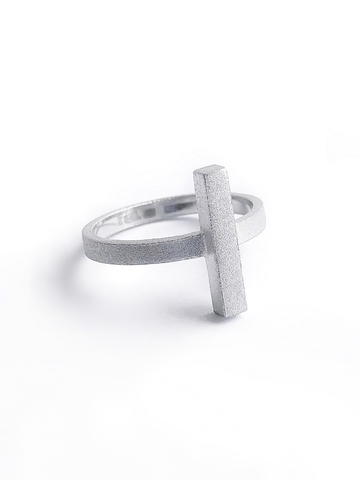 Серебряное сатиновое кольцо