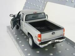 GMC Sierra Extended Cab 1999 Cararama 1:43