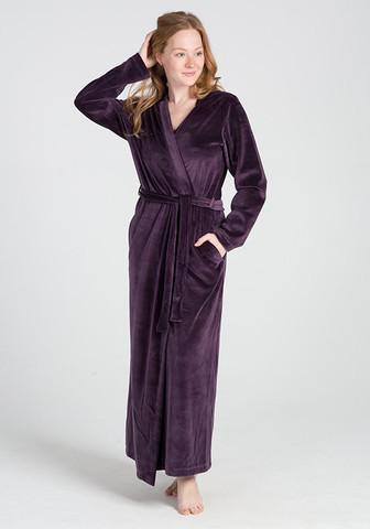 Длинный велюровый халат цвета баклажан