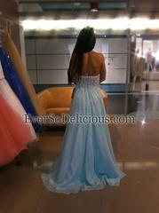 На примерке платья             Sherri Hill 3836