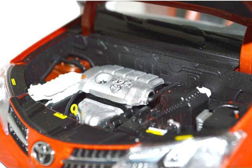 Коллекционная модель Toyota RAV4 2013 Orange