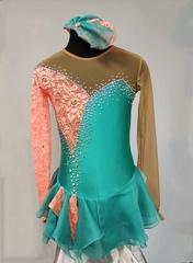 Платье для выступлений для фигурного катания