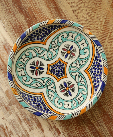 Большая тарелка с росписью