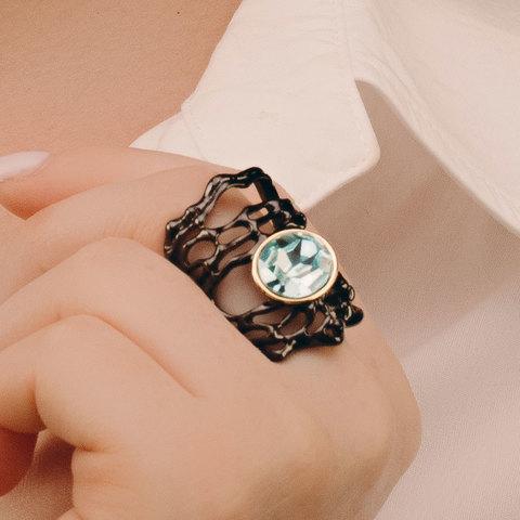 Кольцо с голубым кристаллом, черное родирование