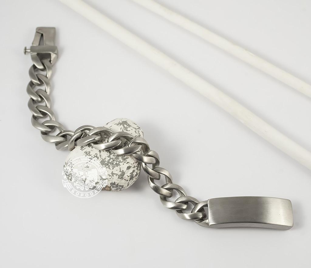 BM352 Стильный матовый браслет из ювелирной стали с широкой планкой - застежкой (22 см)