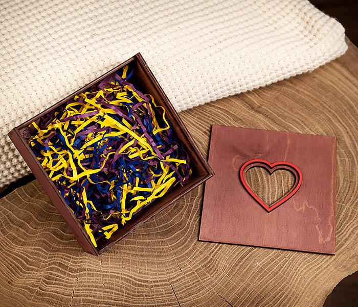 BOX209-3 Подарочная коробка фиолетового цвета с сердцем (17*17*7 см) фото 07