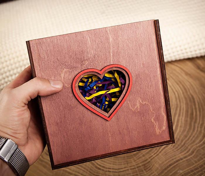 BOX209-3 Подарочная коробка фиолетового цвета с сердцем (17*17*7 см) фото 08